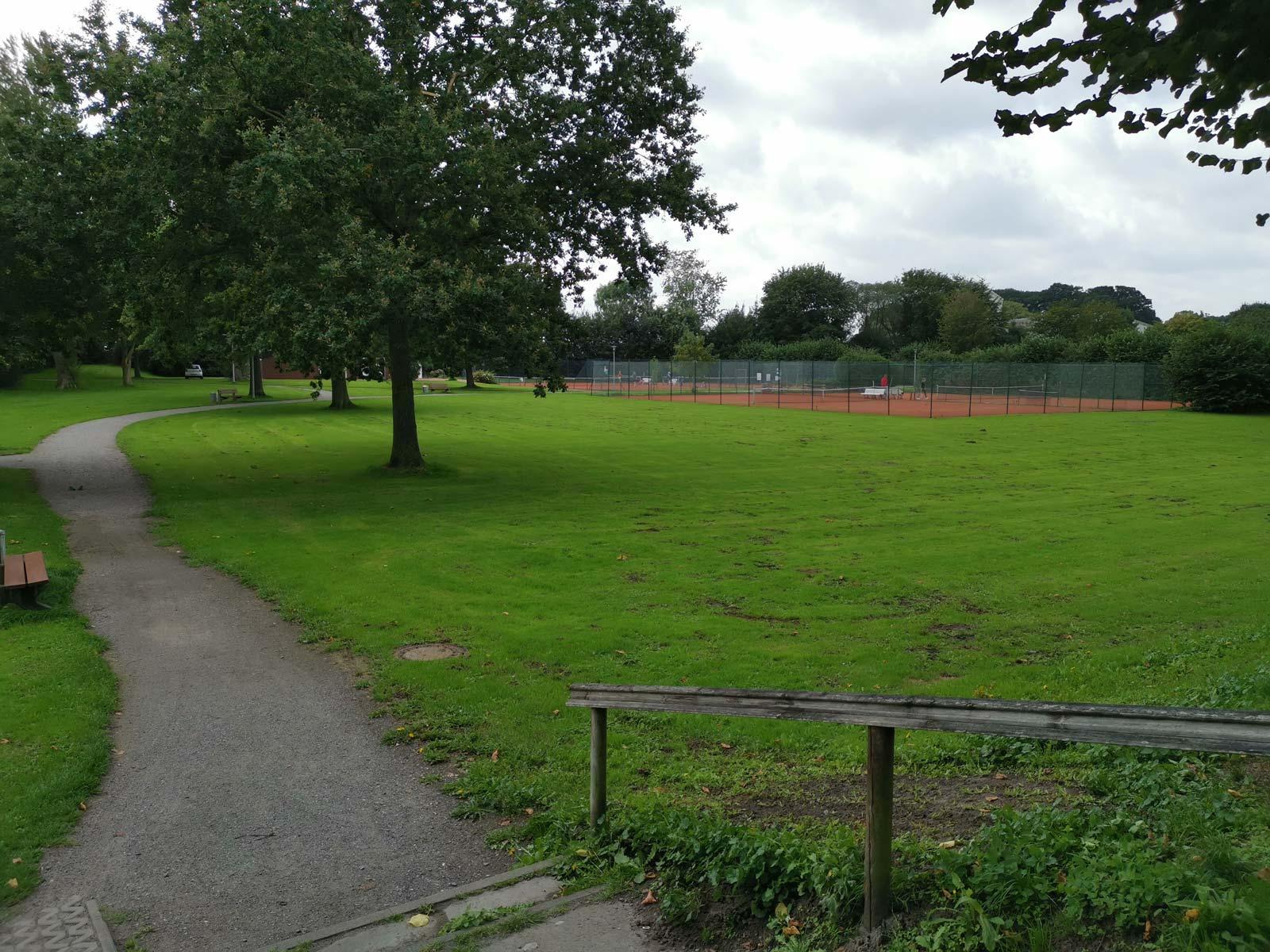 Tennisplatz beim Stadtpark Otterndorf