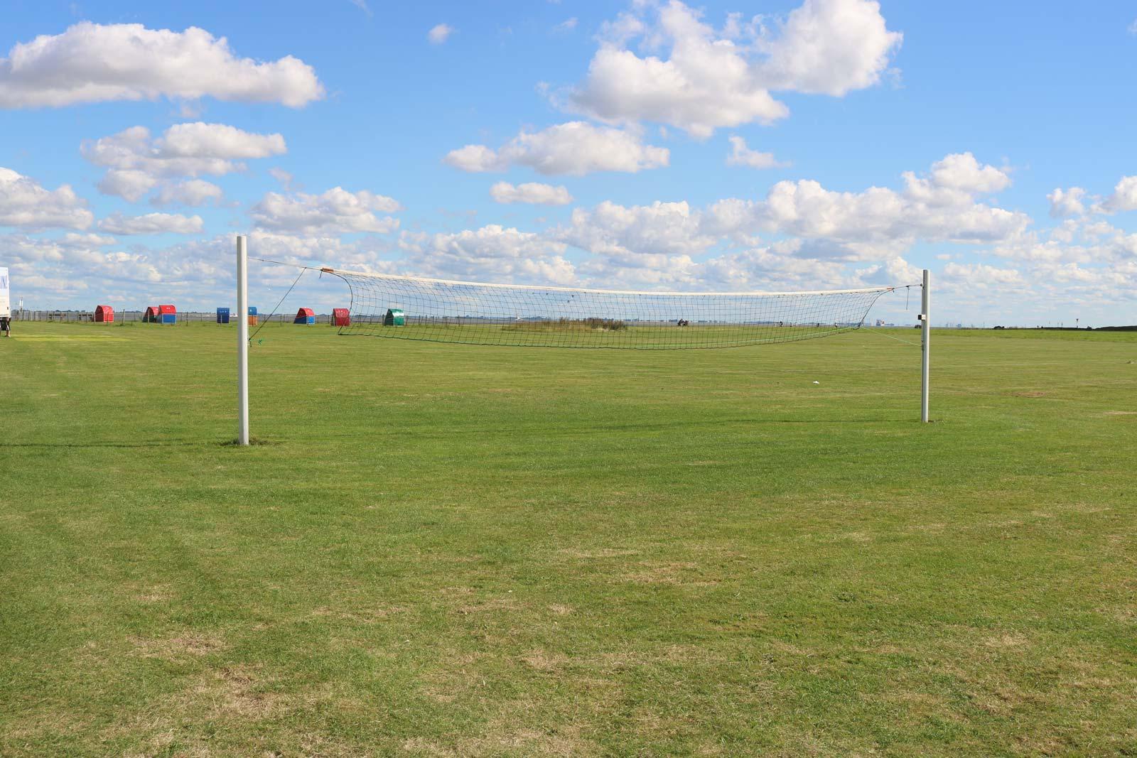 Volleyballfeld am Deich von Otterndorf
